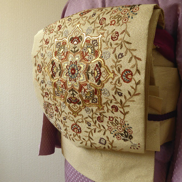 正絹袋帯 金に刺繍