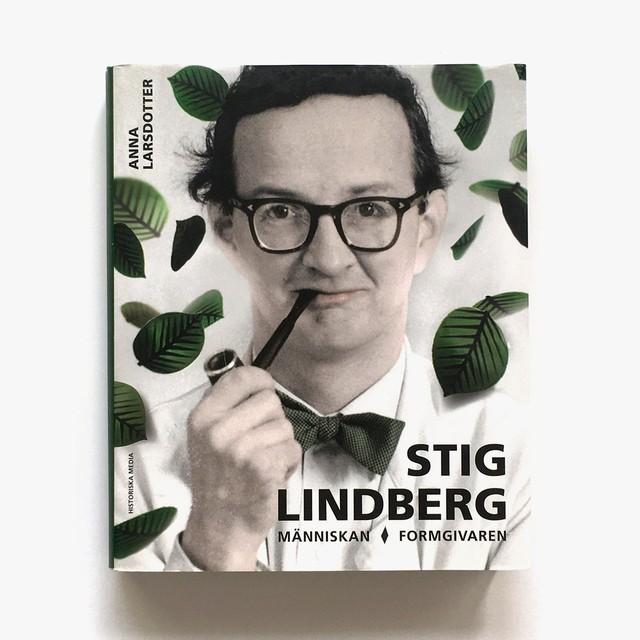 専門書「Stig Lindberg - människan, formgivaren(スティーグ・リンドベリィ - 人として、デザイナーとして)」《2014-01》