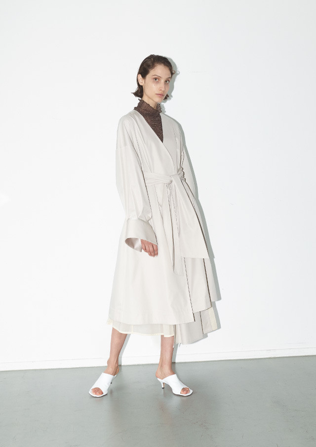 Gabardine satin cuff wrap coat