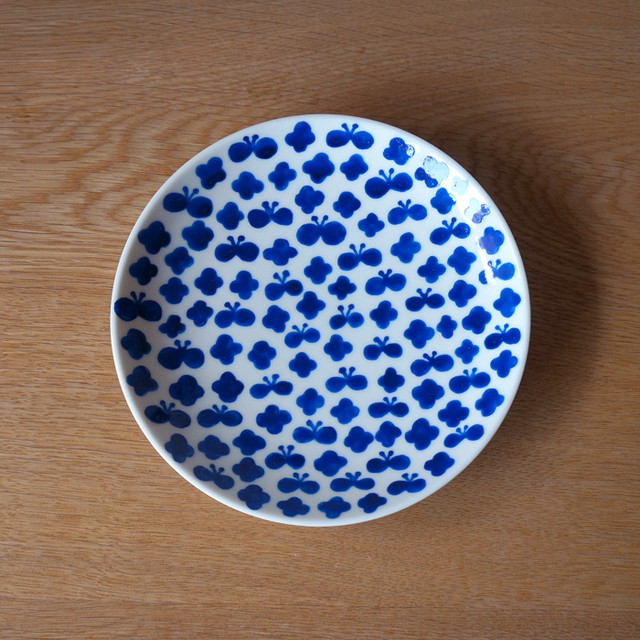 flower and butterfly plate ( blue )