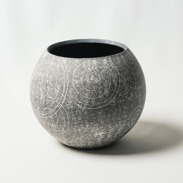 Basic cylinder sgraffito pot (Limited Model)
