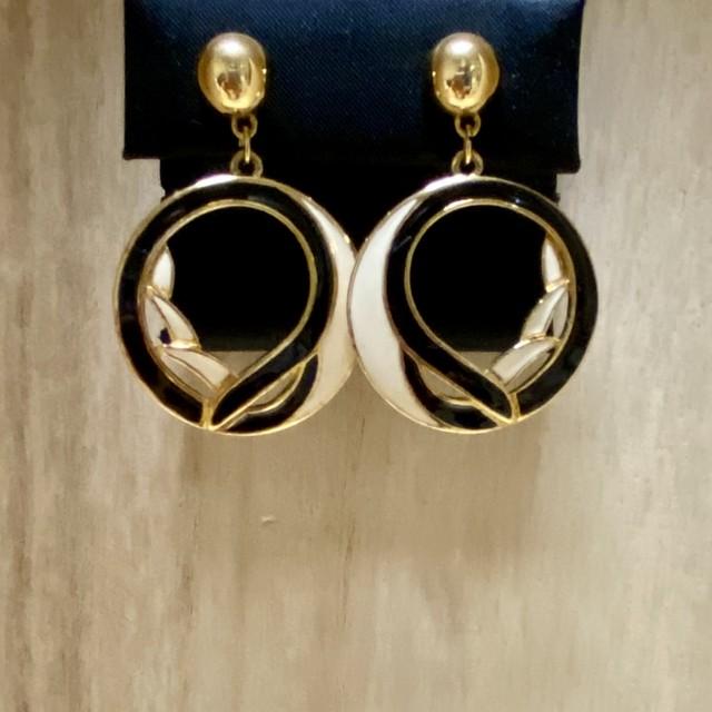 """90年代 USA製""""TRIFARI""""トリファリ ピアス オリエンタル アート ウェーブデザイン レディース ユーズド アクセサリー 90's Art  Design Accessories"""