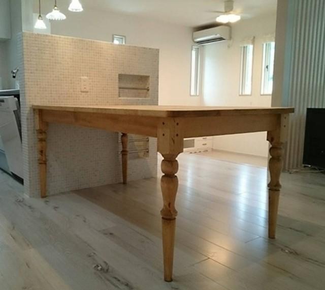 送料無料 アイアンレッグテーブル70x80 鉄脚
