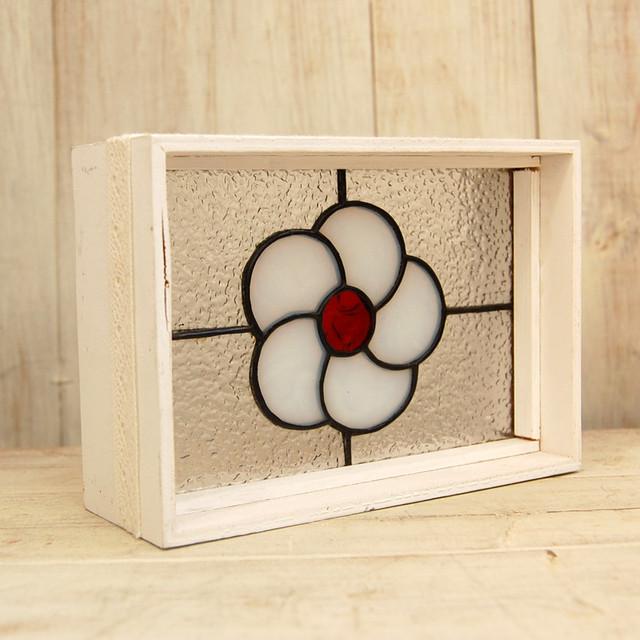 YY009 リボンのついた白い箱 白いお花