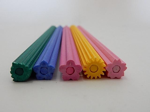 削れば削るほど花咲く色鉛筆 花色鉛筆5本セット 削り器付き