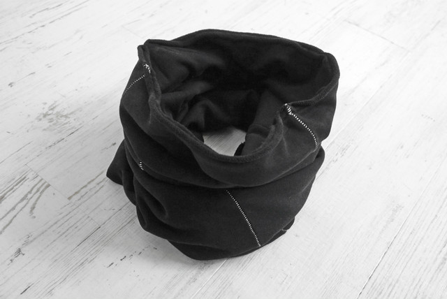 thom krom / SNOOD / BLK