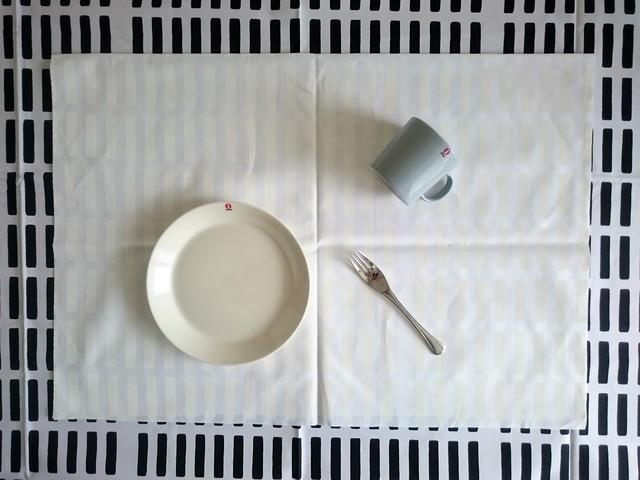 テキスタイル / artek / SIENA (WH) コーティッドコットン (72.5 x 49.5cm)