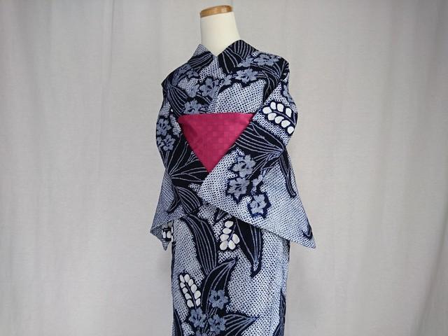 【K-14】丈149 裄65 紺 白 大きな葉花 ふくよかさん  絞り 浴衣 リサイクル