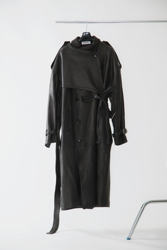 【FW20 先行受注】leather trench coat
