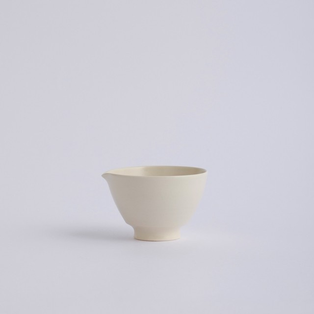 Une / Spout bowl / S