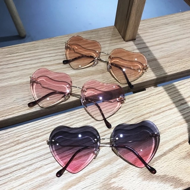 【完全予約販売】heart gradation sunglasses