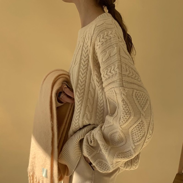over size cable knit