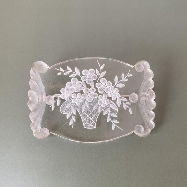 France ルーサイトの花籠ブローチ / ac0215