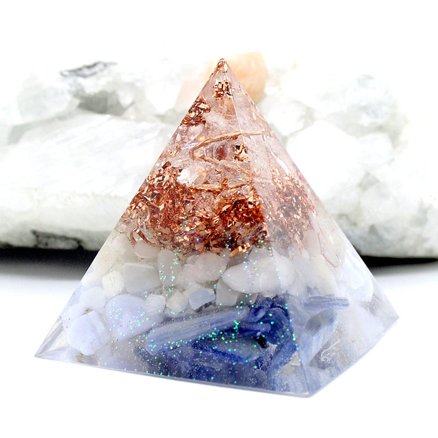 ピラミッド型Ⅱ オルゴナイト ムーンストーン&カイヤナイト&ブルーレースアゲート