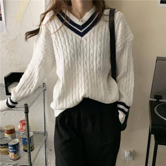 2カラー・Vネックケーブル編ニットトップス