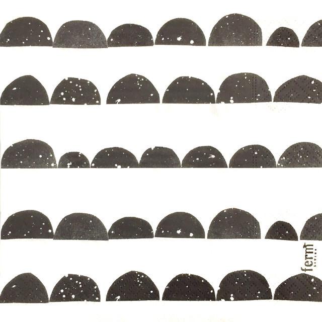 北欧【ferm LIVING】バラ売り1枚 ランチサイズ ペーパーナプキン HALF MOON ブラック