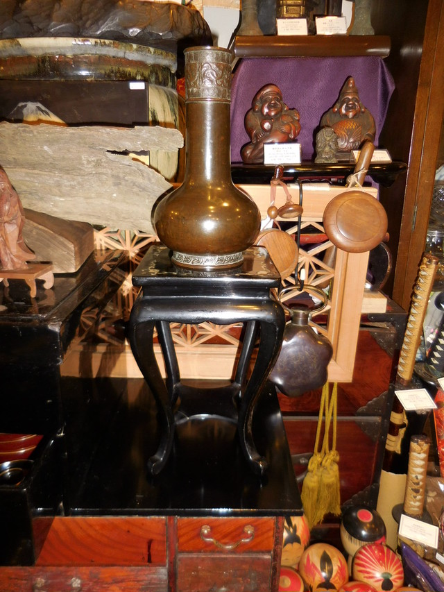 漆、螺鈿飾り棚 Urushi lacquer display shelf(No1)