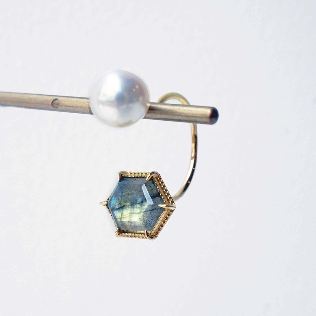 Labradorite & Akoya Pearl Single Pierced Earring (Hexagon)