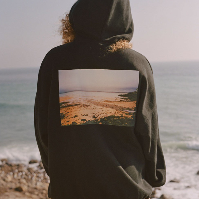 FOG ESSENTIALS / Essentials Photo Pullover Hoodie / Black