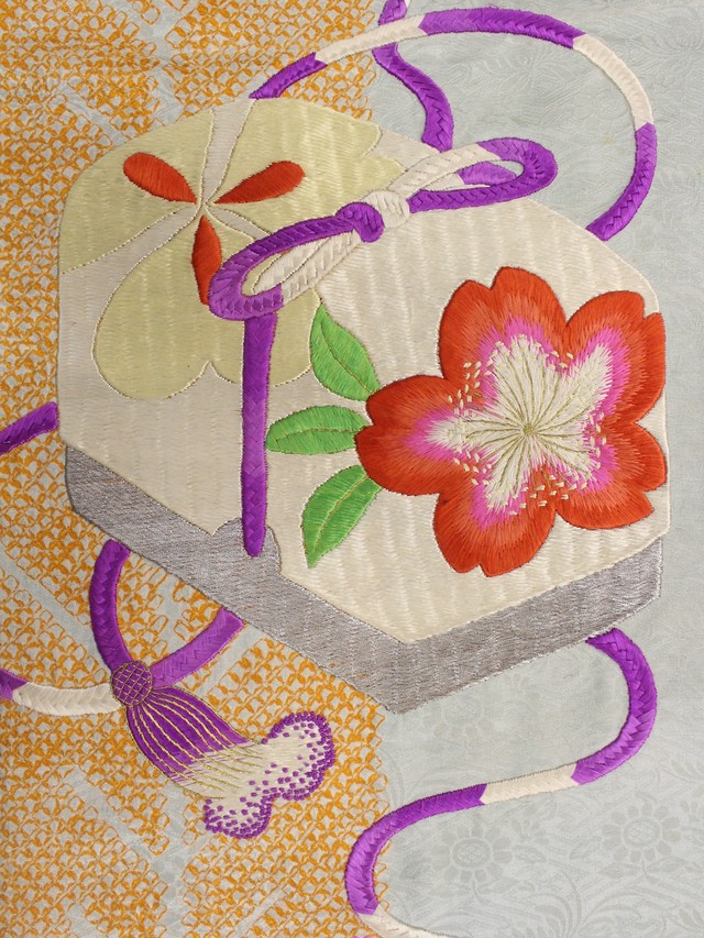 水色地桜とカタバミ・文箱刺繍名古屋帯