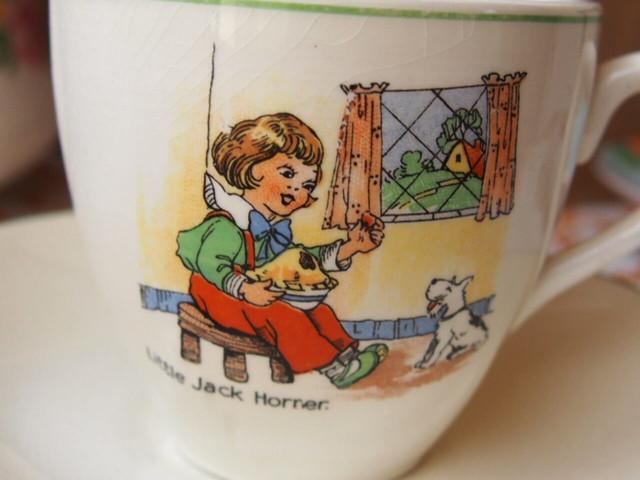 イギリスアンティーク カップ&ソーサー(Mother Goose)