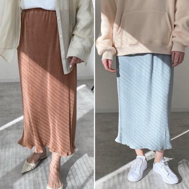◆即納◆バックスリット入り 光沢 ミニプリーツ スカート 裾メロウ加工 SK-03