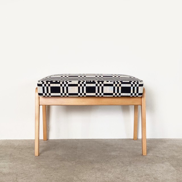 Foot stool with Johanna Gullichsen Doris / CH061