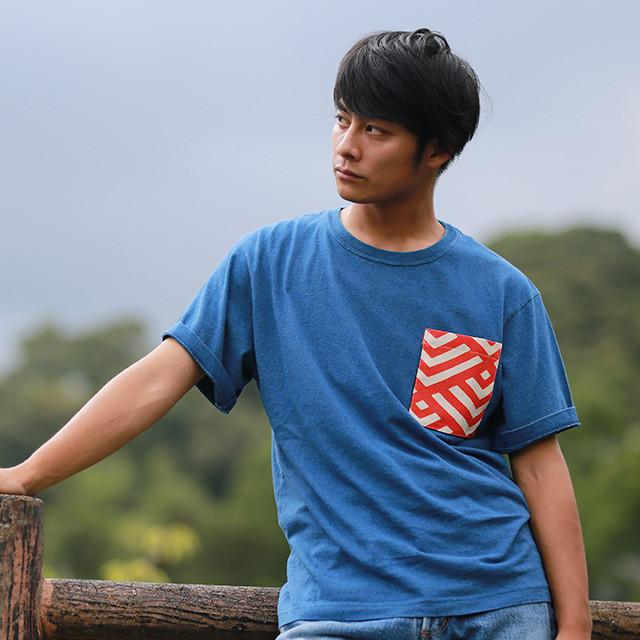 藍染柄ポケットTシャツ 紺