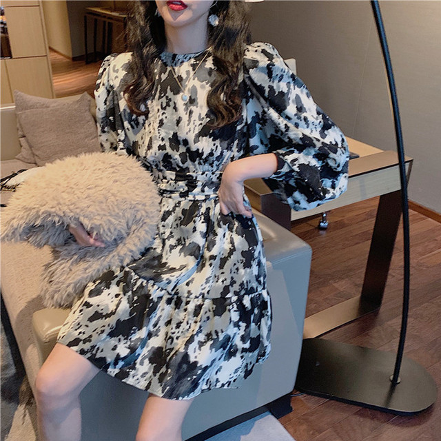 【dress】パフスリーブ個性デザイン2色スリムワンピース