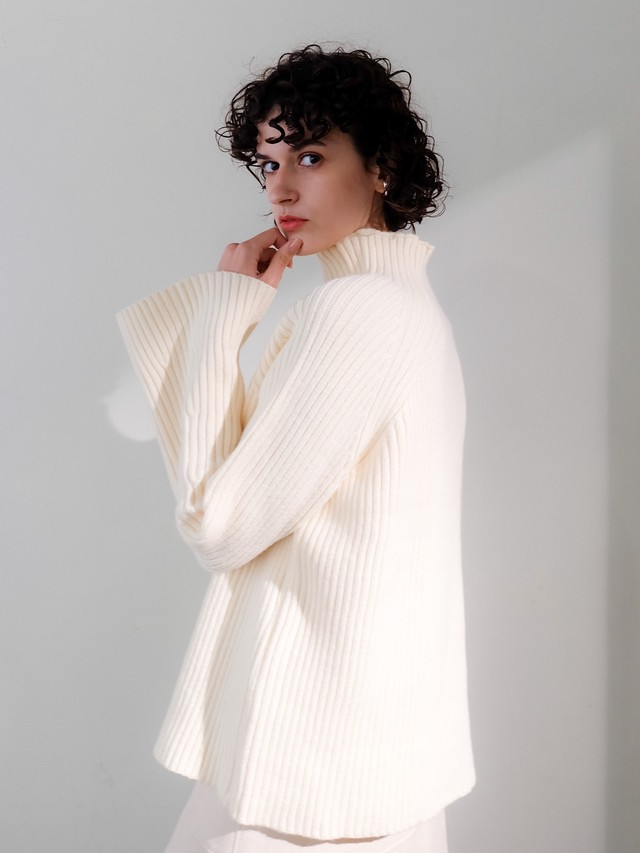 bell sleeve high neck knit(ivory)