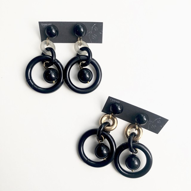 Floating circle earrings No.210