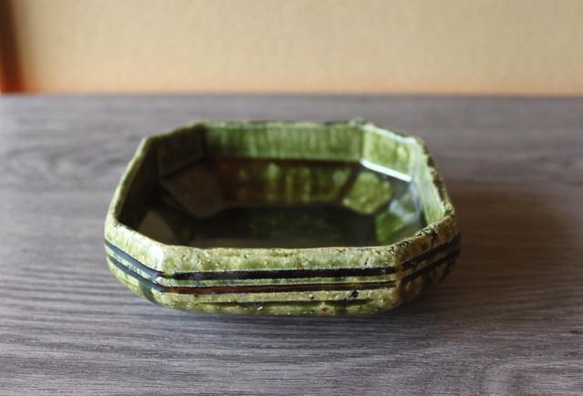 織部隅切角鉢