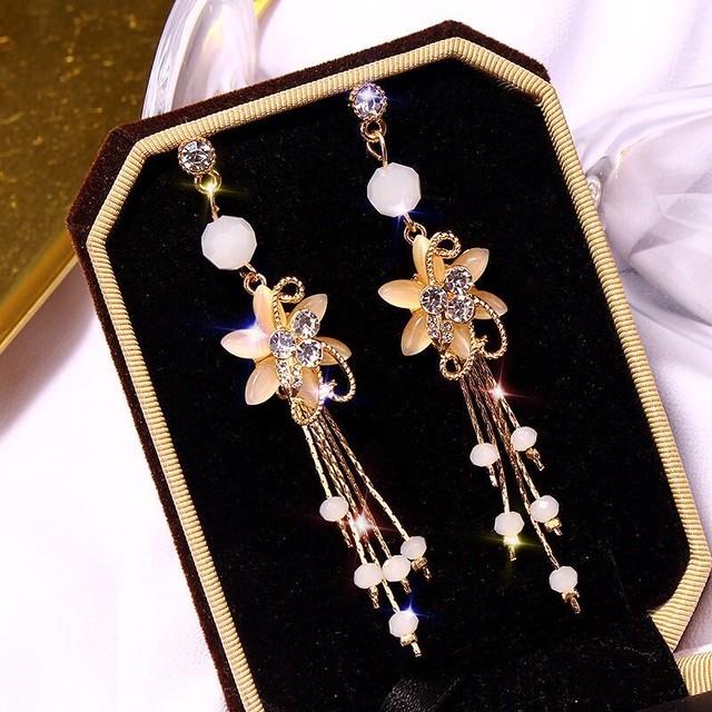 【小物】タッセル飾り精緻で美しいファッションピアスイヤリング