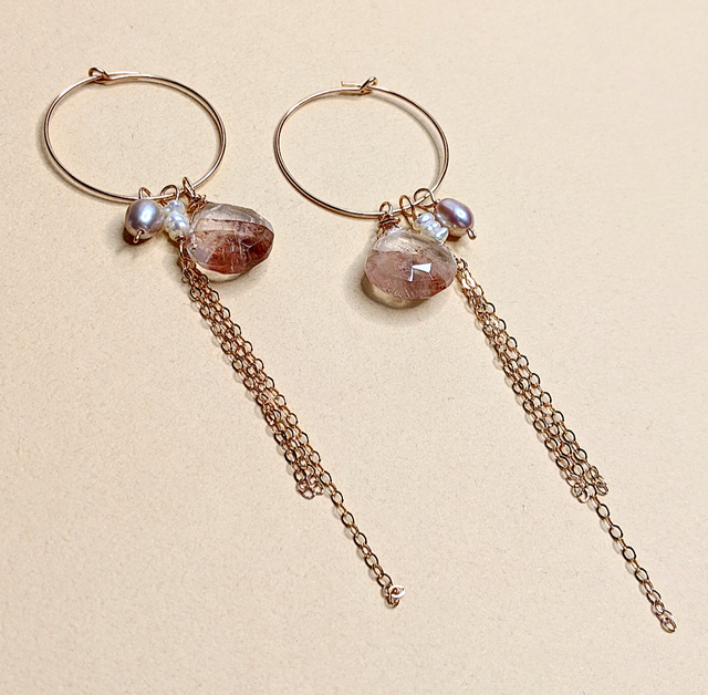 Red hematite quartz & pearl earrings | MIHO meets RUKUS