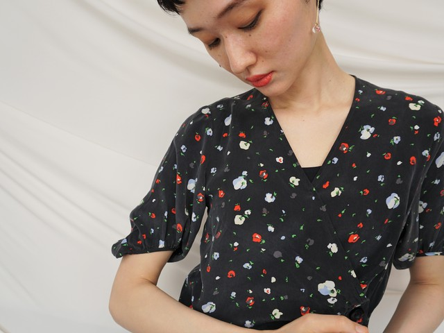 シルク花柄ドレス.