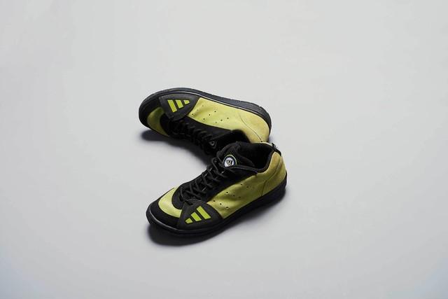 adidas   UNKNOWN
