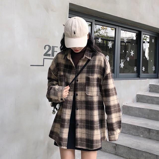 ブラウンチェックのオーバーサイズジャケット
