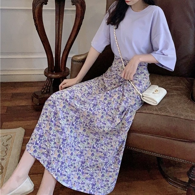2020SS 花柄スカート+シンプルTシャツ