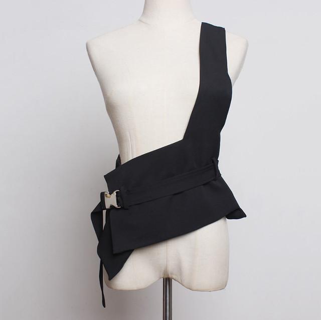 ワンショルダーアシンメトリーベルトベスト 韓国ファッション