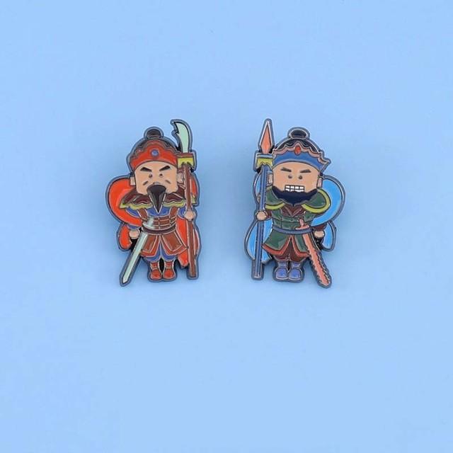 ブローチ  2タイプあり 守り神 門神 カートゥーン 可愛い オリジナル 個性派 チャイナ風 レトロ  衣装用 カバン用