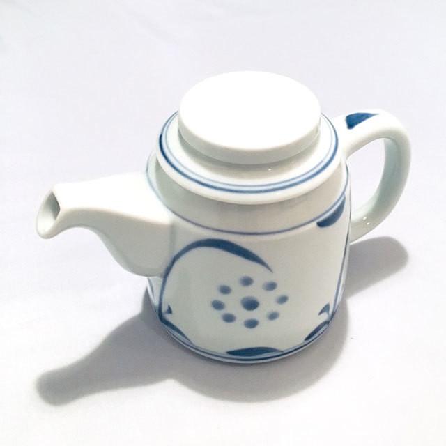【砥部焼/梅山窯】ティーポット(唐草)
