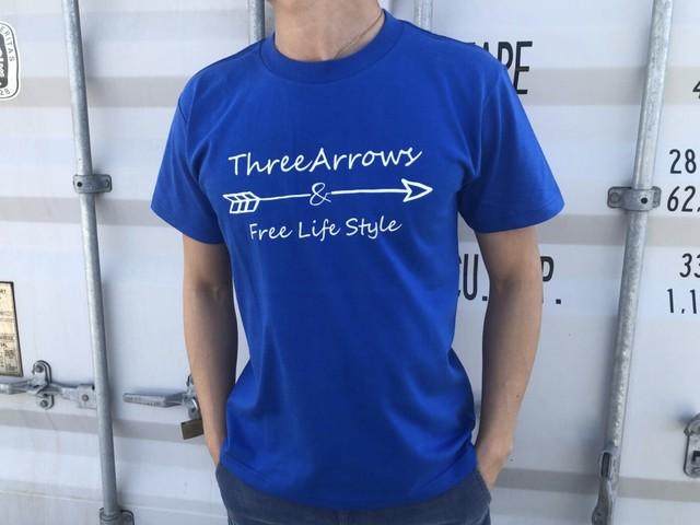 【Fine7月号掲載】ThreeArrowsロゴ Tシャツ(blue)