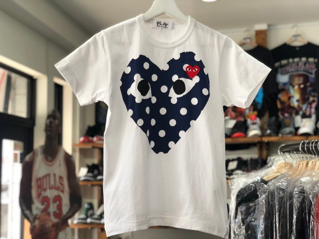 PLAY COMME DES GARCONS DOT HEART TEE WHITE NAVY LARGE 20JC5215