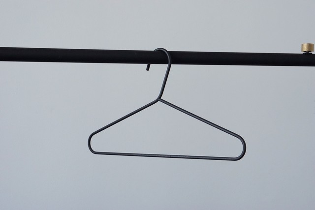【DRAW A LINE】Clothes Hanger Black