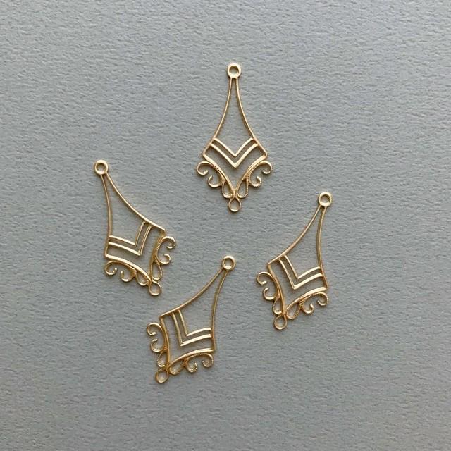 USA真鍮 シンプル透かしソード型チャーム