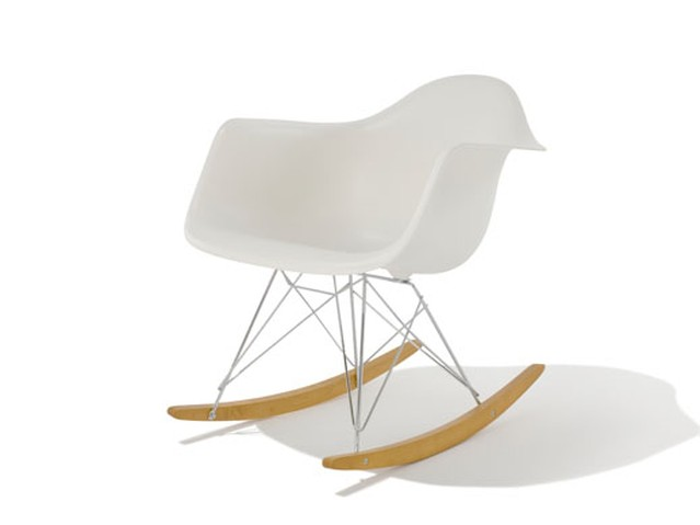 Eames Shell Arm Chair RAR Black Base Walnut Legs - チャールズ&レイ イームズ