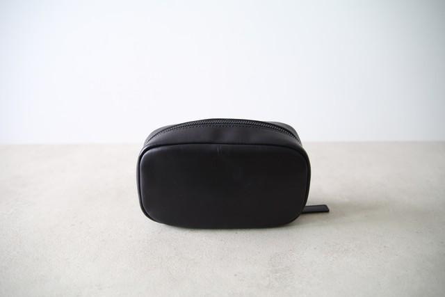 【宮永えいとコラボ】レザーメイクポーチ - ブラック
