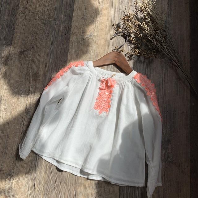 Zara * 110㎝ キレイ色刺繍ブラウス