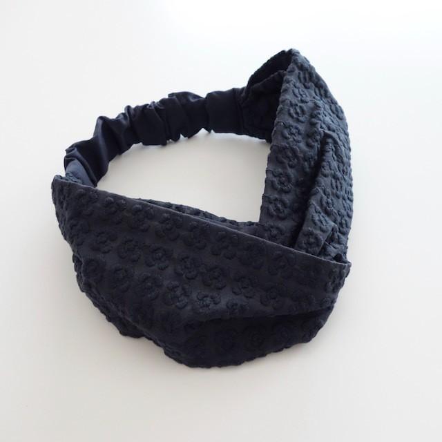 プルメリア刺繍のヘアバンド すみれグレー
