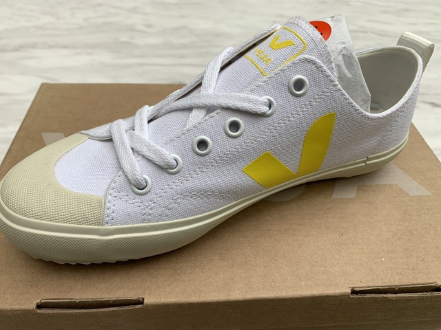 VEJA(K)NOVA CANVAS WHITE-TONIC 20%OFF